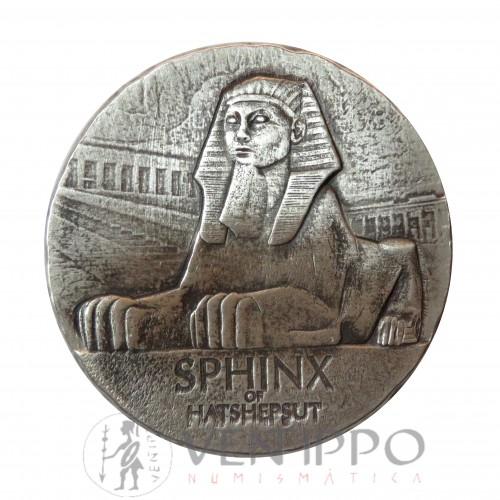 Tchad, 3000 Francs plata ( 5 Oz. 999 mls ) 2019. Esfinge Hatshepsut, antique finish